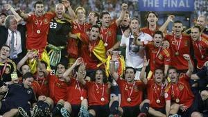 España inició su periplo triunfal con la Eurocopa 2008 celebrada en Austria y Suiza.
