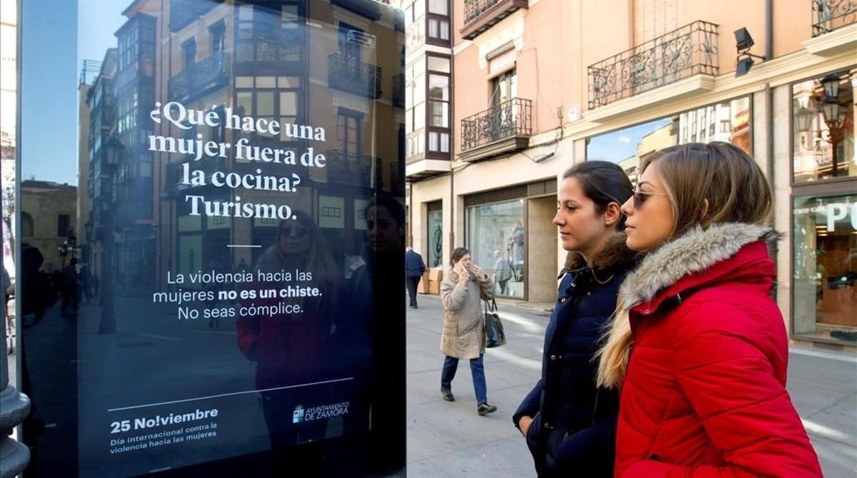 Uno de los carteles de la polémica campaña contra la violencia machista de Zamora.