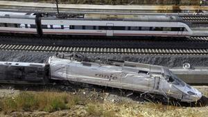 El tren accidentado en Angrois dos días después del siniestro, el 26 de julio del 2013.