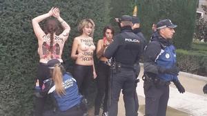 Protesta de las activistas de Femen en la plaza de Oriente de Madrid con motivo del 20N.