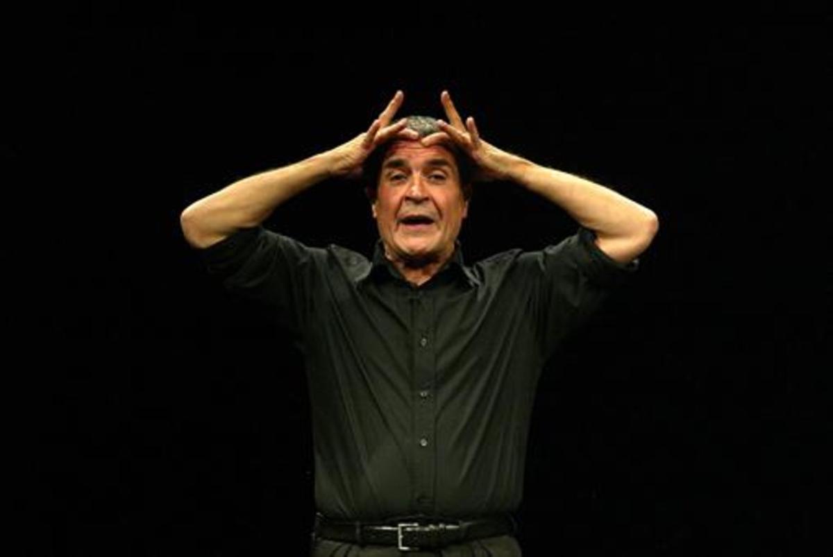 Monólogo 8 Pepe Rubianes, durante una de sus aclamadas actuaciones en el Capitol en el 2003.