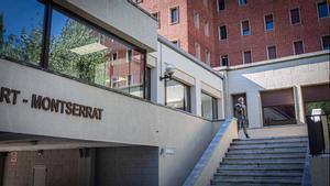 Els estudiants confinats al col·legi major de Barcelona comencen a fer-se les PCR