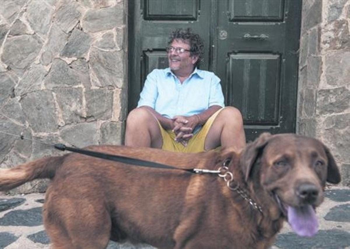 Reed Brody, en una calle de Cadaqués, durante una breve pausa en su agenda, el jueves.