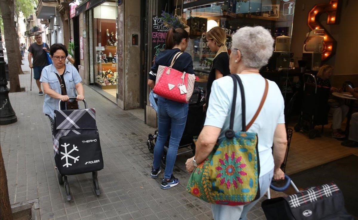 Ambiente en el Eix Gran de Sant Andreu, en una imagen de archivo.