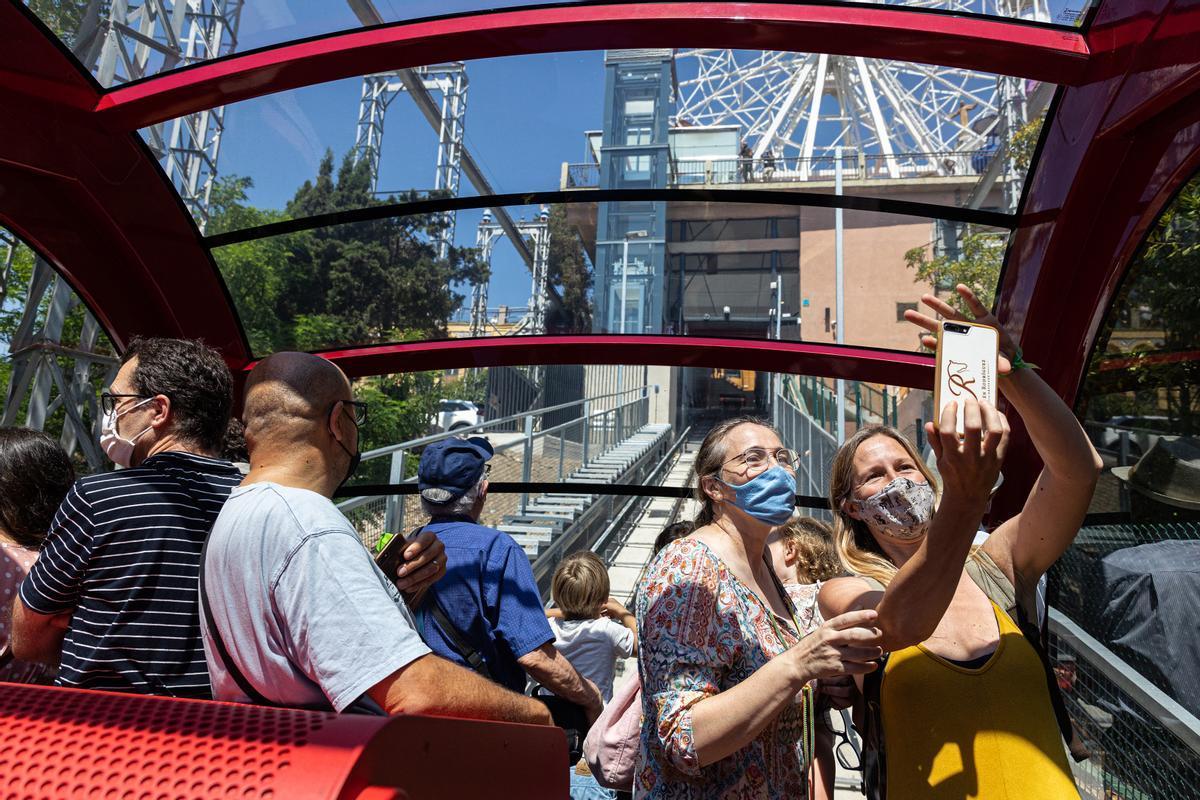 Inauguración de la 'Cuca de Llum', el nuevo funicular del Tibidabo