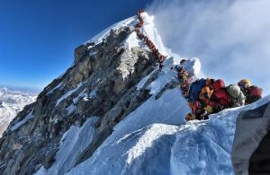 Un embús a l'Everest causa noves víctimes