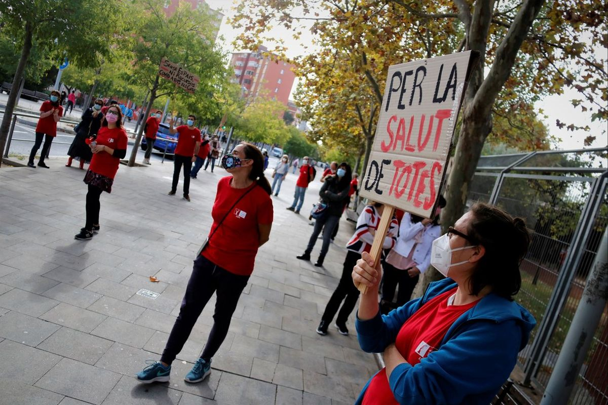 Els professors d'un institut de Santa Coloma es mobilitzen per reclamar un pla semipresencial