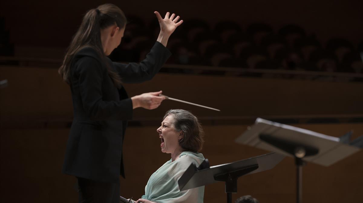 La soprano Dorothea Röschmann y la directora Marta Gardolinska.