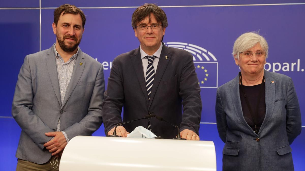 Antoni Comín, Carles Puigdemont y Clara Ponsatí.