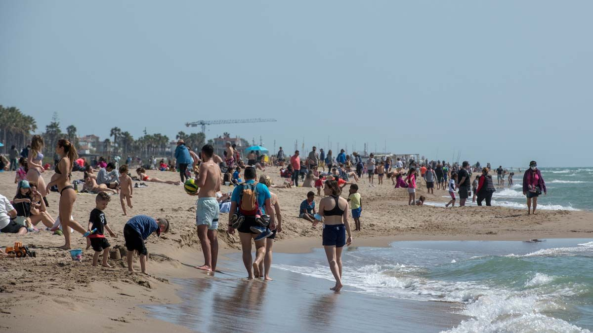 Les platges de la Barcelona metropolitana sumen 10 milions de visitants anuals que gasten 60 milions