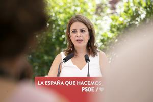 La vicesecretaria general del PSOE, Adriana Lastra, durante la presentación de la ponencia marco del 40º Congreso Federal, este 24 de julio en Madrid.