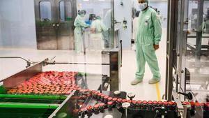 Planta de fabricación de viales para la vacuna de AstraZeneca en Anagni, al suroeste de Roma.