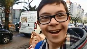 Guillermo Gracia, el chico de 14 de años con Síndrome de Down, a su llegada al colegio de Las Carmelitas