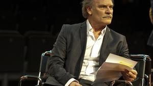 Lluís Homar, durante una escena, en el Teatro Villarroel.