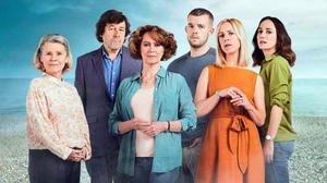 Los protagonistas de la serie británica 'Flesh and blood', disponible en Filmin.