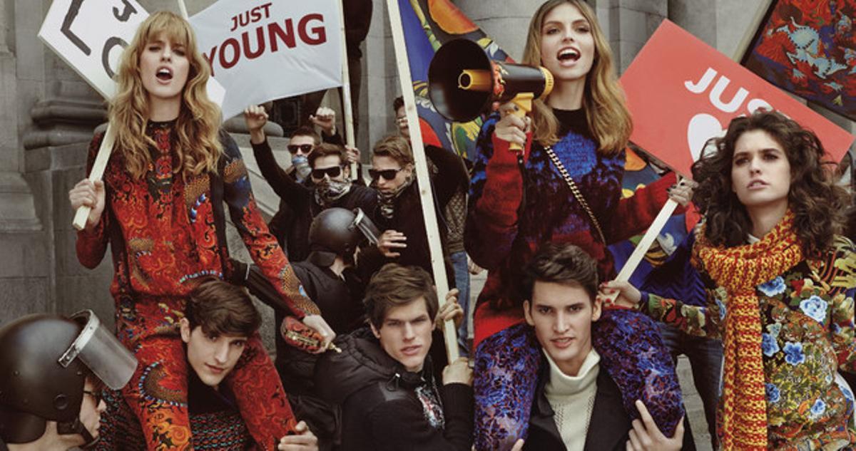 Una fotografía muestra la nueva campaña del diseñador italiano