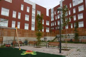 Los síndics del Baix y L'Hospitalet piden un plan de vivienda que garantice la construcción de alquiler social