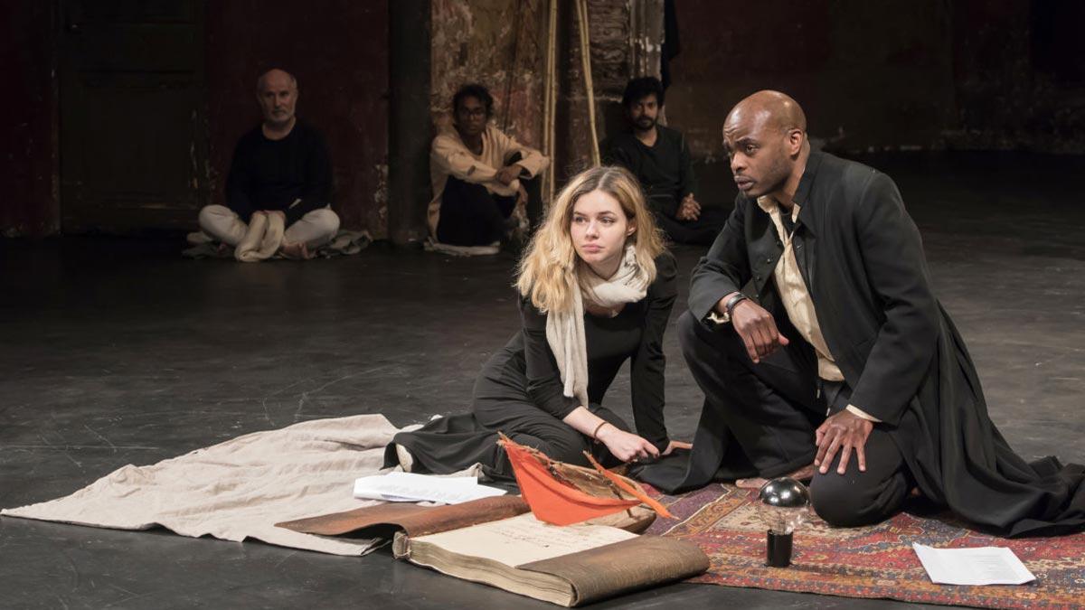 Un momento de la representación de 'Tempest Project' de Peter Brook.