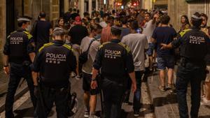 Desalojadas 4.100 personas en Barcelona en la primera noche sin toque de queda