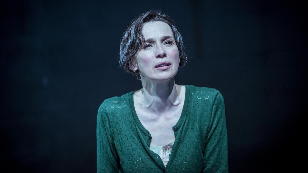 Ariadna Gil, en un ensayo de 'El dolor'.