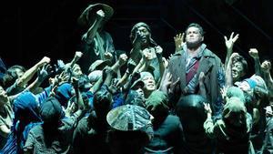 La Fura del Baus y la OBC en Tokio con Turandot.