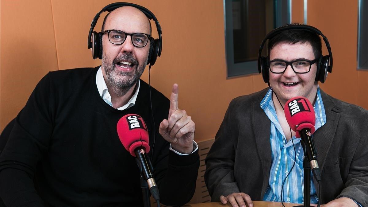 Jordi Basté, con Adrià.