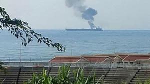 Fotografía del petrolero atacado facilitada por la agencia de noticias siria SANA.