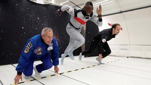 Usain Bolt corre en gravedad cero.