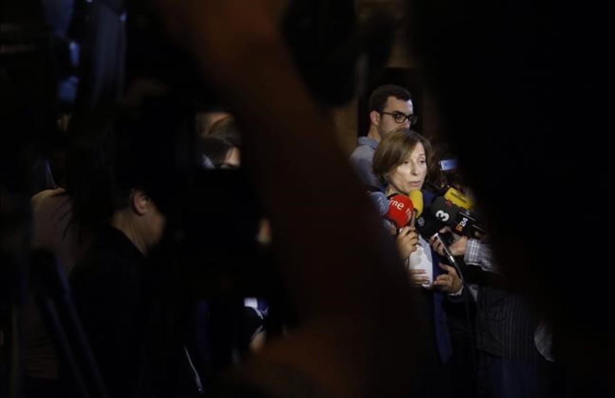 """La fiscalía se querella contra Carme Forcadell y le acusa de """"despreciar"""" la Constitución"""