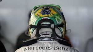 Lewis Hamilton, con el casco de homenaje a Aryton Senna que luce en Interlagos, donde nunca ha ganado.