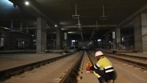 Trabajos en el interior de los túneles de la futura gran estación de La Sagrera, ayer.
