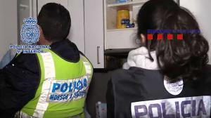 Una banda cobraba 2.000 euros por contratar a un suplantador en el examen de conducir