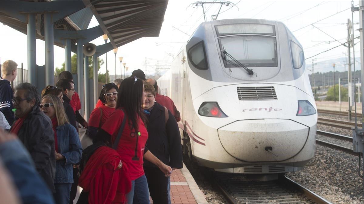 Barcelona i València, mitja hora més a prop en tren a partir del 13 de gener