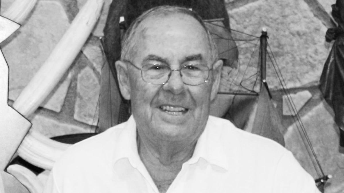 Muere en un accidente el fundador de las zapatillas Paredes