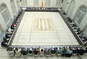 Representantes de entidades catalanas y partidos políticos el pasado miércoles en el Parlament en la constitución del Pacte Nacional pel Dret a Decidir.