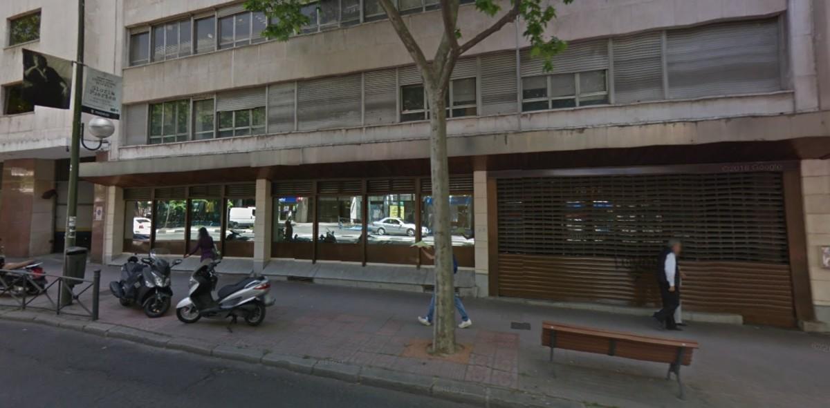 El edificio okupado por Hogar Social Madrid en la calle Príncipe de Vergara.