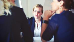 Imagen de una entrevista de trabajo.