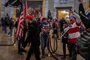 Pelosi anuncia una comissió d'investigació com la de l'11-S sobre l'assalt «terrorista» al Capitoli