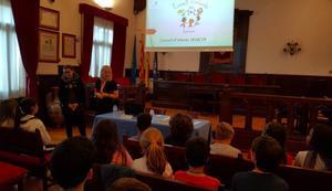Alumnes de primària d'Esplugues proposen accions per combatre la LGTBI-fòbia