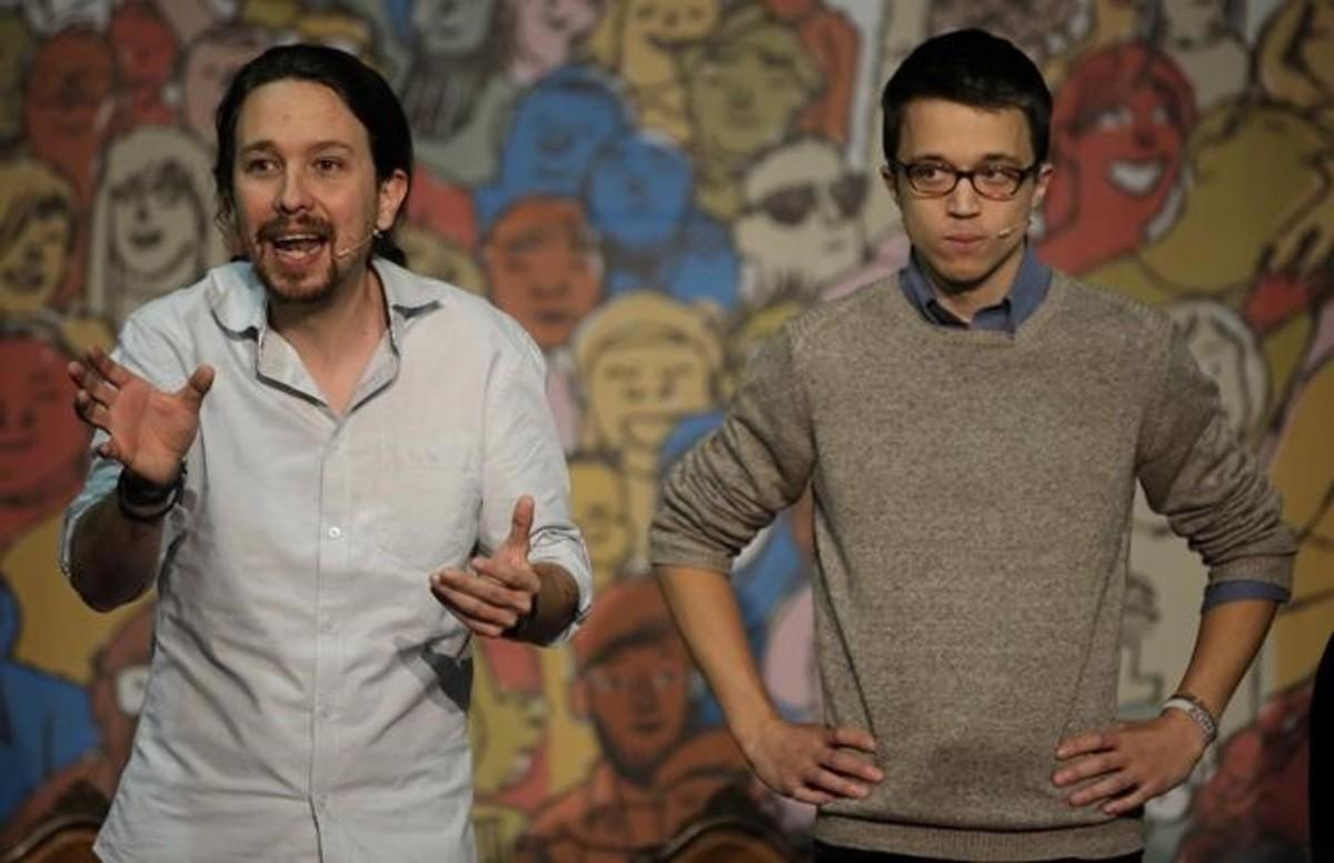Pablo Iglesias e Íñigo Errejón participan en el acto'Congreso en tu plaza', en Vallecas (Madrid).
