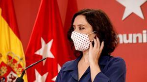 Isabel Díaz Ayuso,durante una rueda de prensa el 8 de octubre.