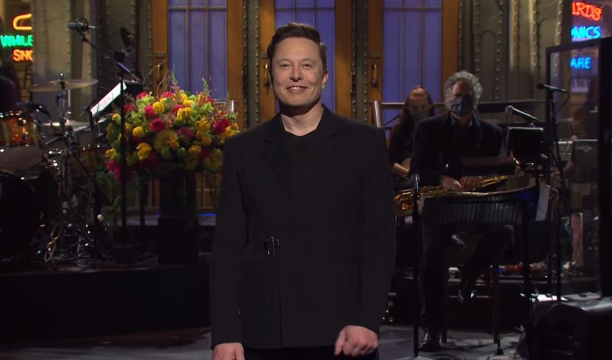 Elon Musk en Saturday Night Live: 'sketches', monólogos y el desplome del dodgecoin
