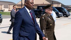 El jefe de Estado Mayor de EEUU, Mark Milley (derecha), junto al secretario de Estado de Defensa, Lloyd Austin.