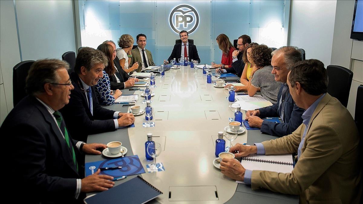 Pablo Casado preside una reunión del comité de dirección del PP