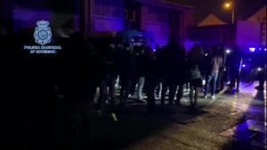 Desalojada de madrugada una discoteca de Madrid con más de 100 personas.