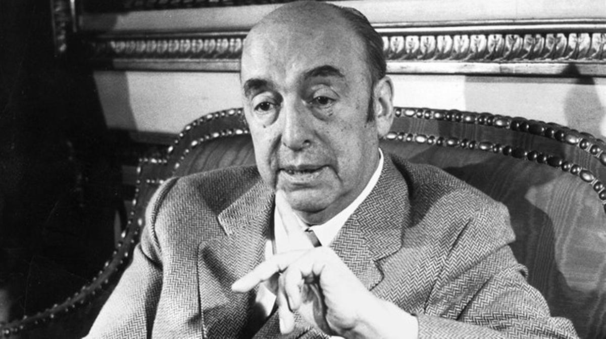 Hallados una veintena de poemas inéditos de Pablo Neruda