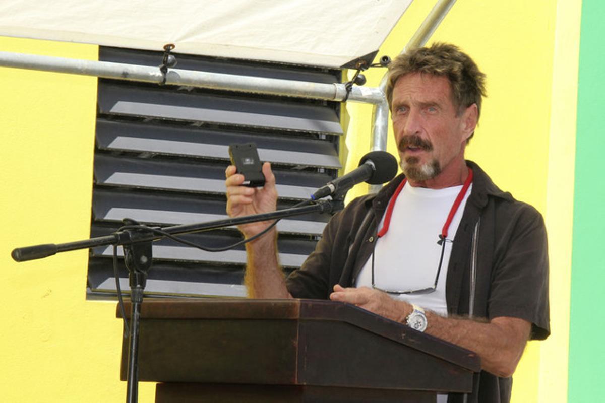 Imagen del pasado agosto de John McAfee, en Belice.