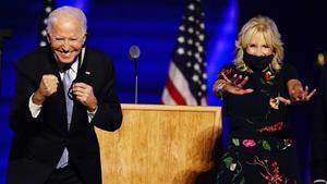 El matrimonio Biden tras el discurso de celebración.