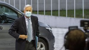 El negociador europeo para el 'brexit', MichelBarnier, a su llegada al Consejo Europeo, ayer.