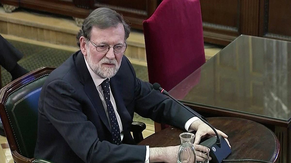 Rajoy y Santamaría apuntalan la violencia